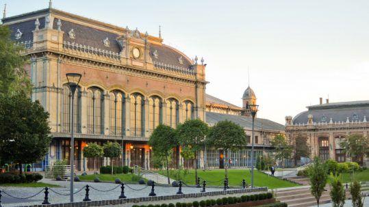 Eiffel tér és park - Mystery Hotel Budapesttől való távolság: 300m