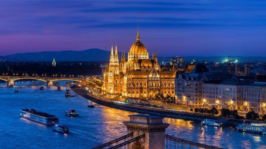 Parlament és Lánchíd - Mystery Hotel Budapest