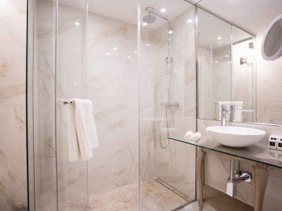 Mystery_Hotel_Budapest_marble_bathroom