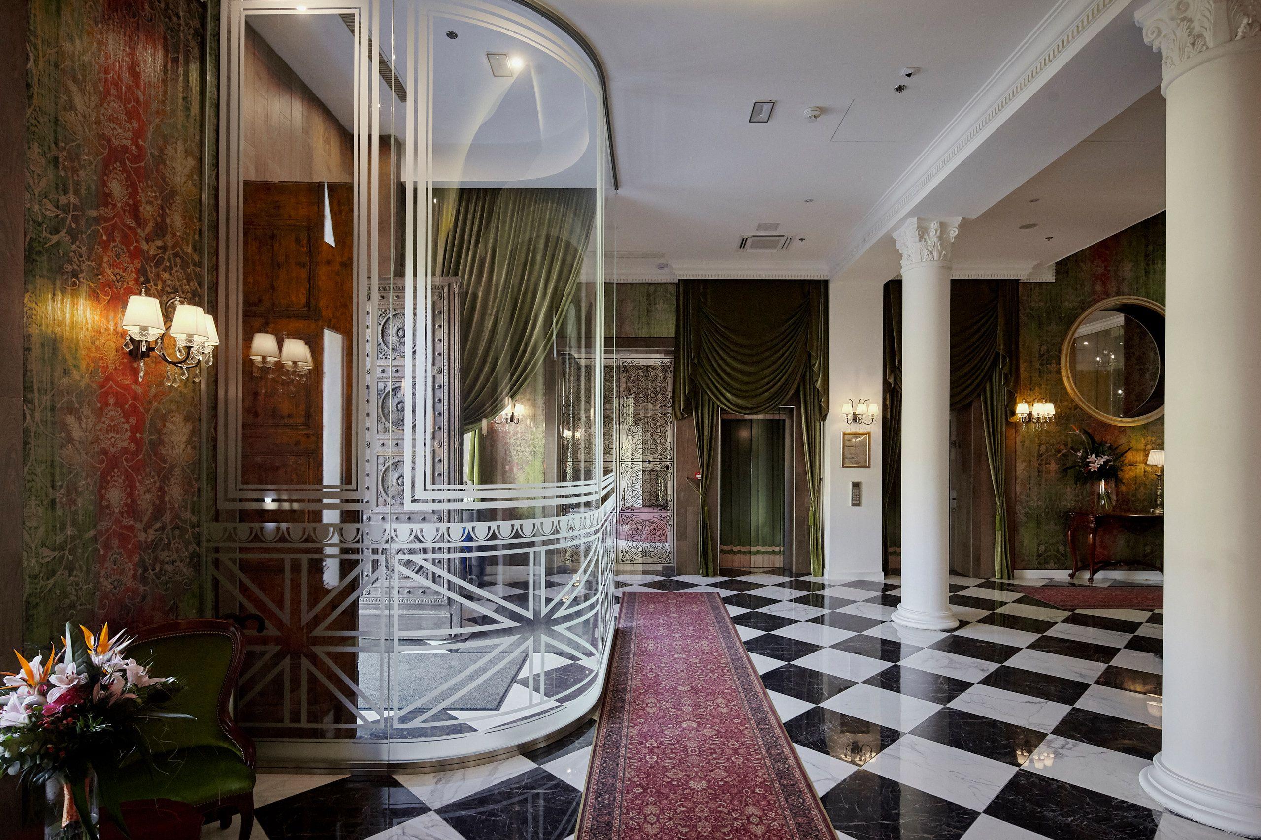 Entrance - Mystery Hotel Budapest