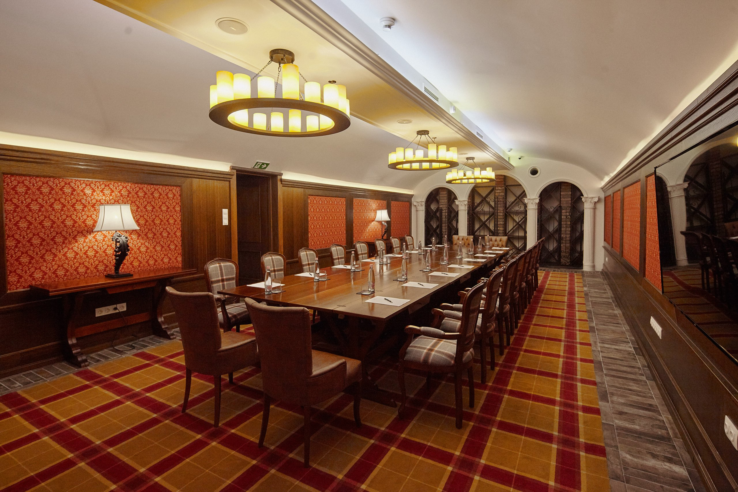 Mystery_Hotel_Budapest_Orpheus_meeting_room