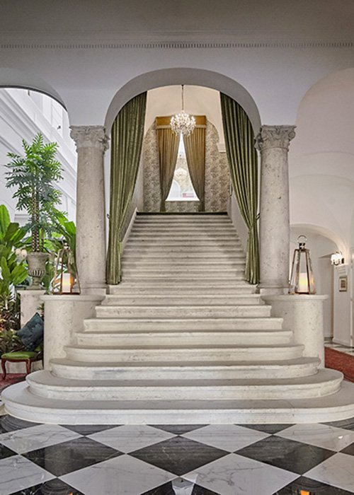 By entering the hotel you can feel that we are going to a special world